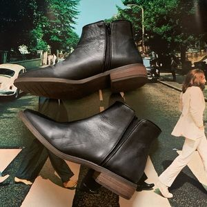 Zara Trafaluc Black Leather Chelsea Boot 41